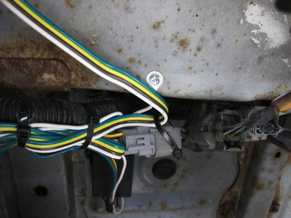 2000 Toyota Land Cruiser T-One Vehicle Wiring Harness with 4-Pole Flat  Trailer Connectoretrailer.com