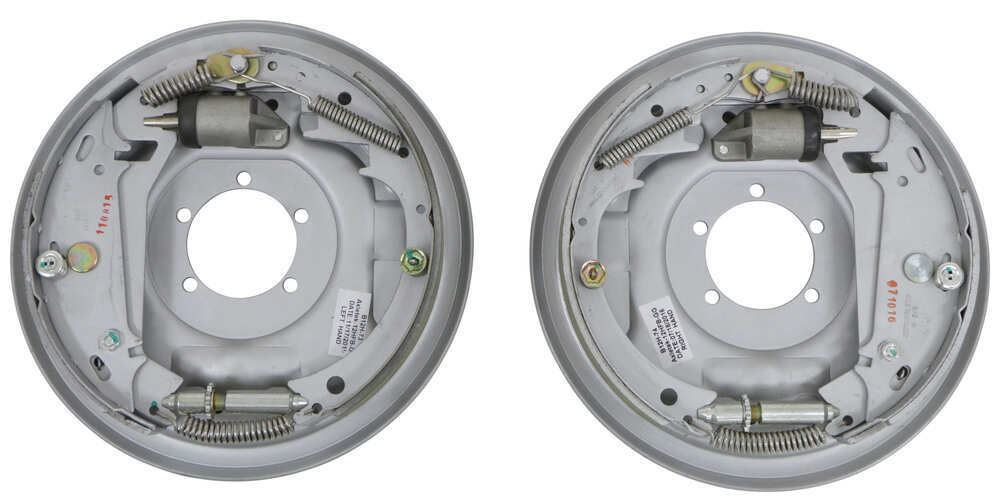 etrailer Hydraulic Drum Brakes - AKFBBRK-7-D