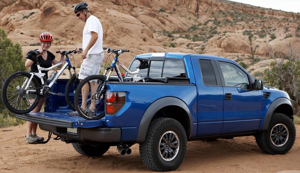 2019 Ram 2500 Bestop Trekstep Rear Mounted Truck Step