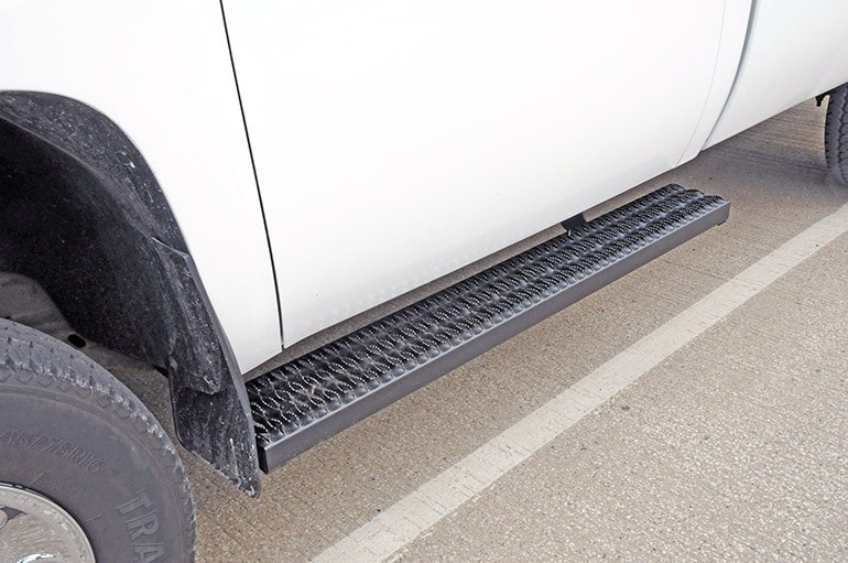 "DeeZee Rough Step Running Boards w/ Custom Installation Kit - 7"" Wide - Aluminum - Black Fixed Step DZ15321A-15335"