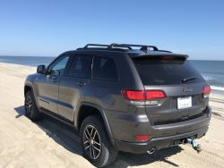 Recommended Roof Rack For A 2020 Jeep Grand Cherokee Trailhawk Etrailer Com