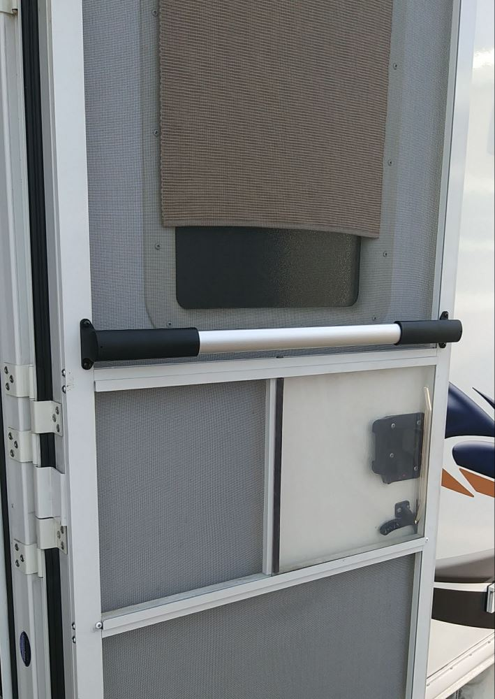 Outdoor /& Hardware Store Model Camco 42189 White Wide RV Screen Door Cross Bar Size wide Color 42189 White
