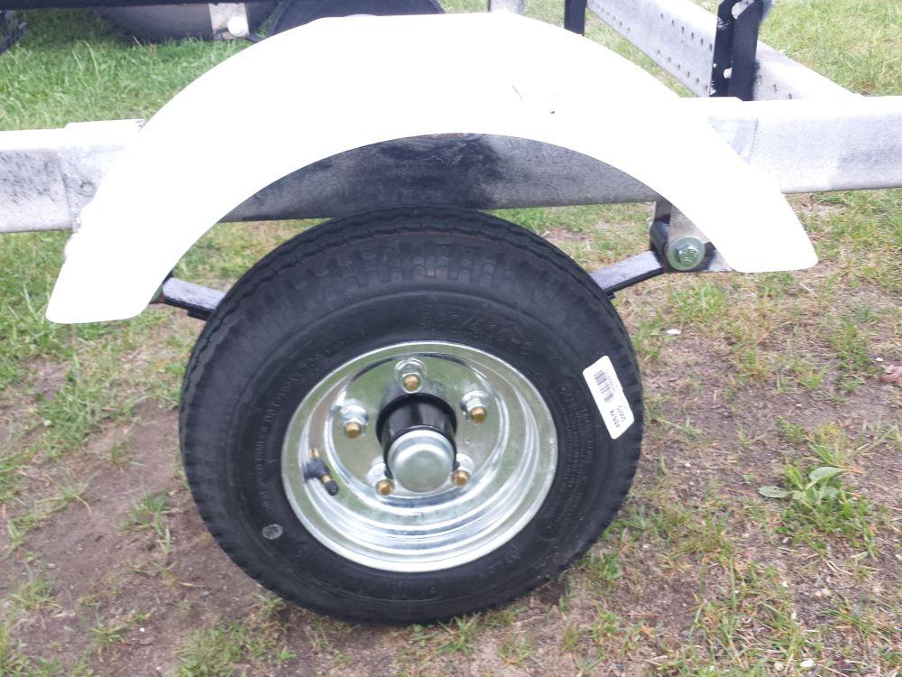 Fulton 008541 White Plastic Fender for 8-12 Tire Size