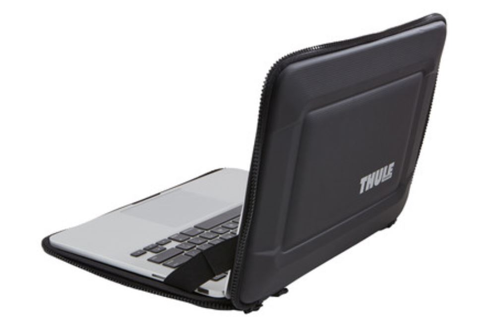 Thule Gauntlet 3 0 Protective Sleeve For 13 Macbook Pro With Retina Display Black Thule Laptop Bags And Cases Th3203098