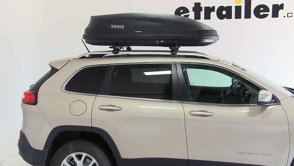 2019 Jeep Cherokee Thule Pulse Medium Rooftop Cargo Box ...